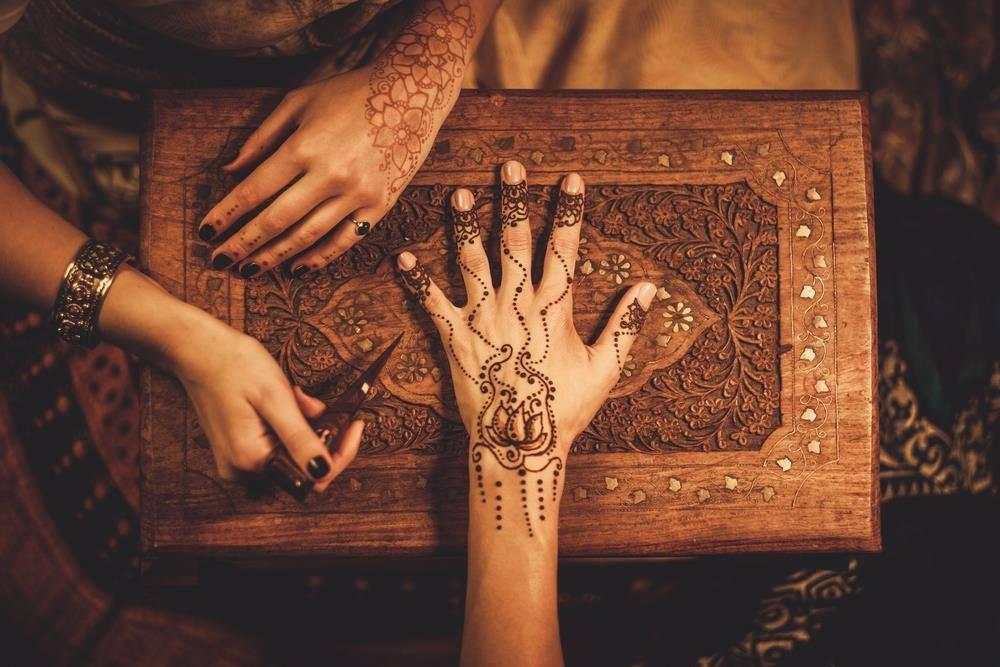EVJF Marrakech tatouage henné